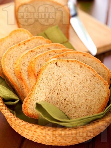 Пълнозърнест хляб в машина за хляб - снимка на рецептата